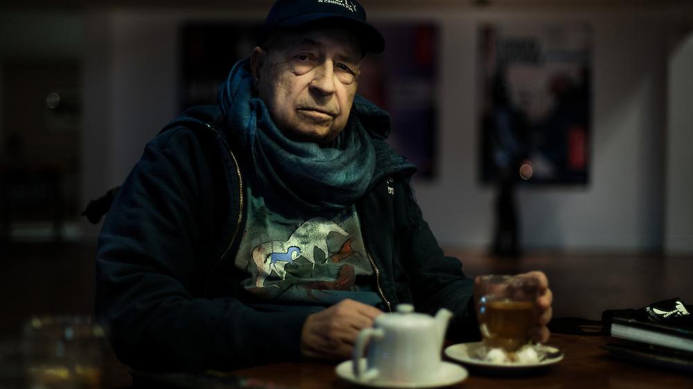 Pierre Rissient, critique et historien de cinéma, conseillé artistique au festival de cannes, Médaille d'or Fellini UNESCO en 2002.