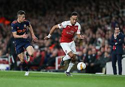 Pierre-Emerick Aubameyang of Arsenal sprints clear of Gabriel Paulista of Valencia - Mandatory by-line: Arron Gent/JMP - 02/05/2019 - FOOTBALL - Emirates Stadium - London, England - Arsenal v Valencia - UEFA Europa League Semi-Final 1st Leg