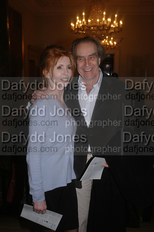 Jane Asher and Gerald Scarfe. The opening of Turks: A Journey of a Thousand Years, 600-1600 - an exhibition of Turkish art.  Royal Academy of Arts, Piccadilly, London ONE TIME USE ONLY - DO NOT ARCHIVE  © Copyright Photograph by Dafydd Jones 66 Stockwell Park Rd. London SW9 0DA Tel 020 7733 0108 www.dafjones.com