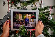 ROTTERDAM - Koning Willem-Alexander houdt vanuit zijn werkpaleis Noordeinde zijn kersttoespraak. De toespraak wordt elk jaar op eerste kerstdag op televisie uitgezonden. ANP ROYAL IMAGES ROBIN UTRECHT