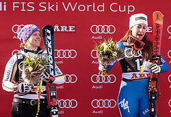 15.03.2018, Aare, SWE, FIS Weltcup Ski Alpin, Finale, Aare, SuperG, Damen, Siegerehrung, im Bild v.l. Viktoria Rebensburg (GER, 2. Platz, Tageswertung SuperG), Sofia Goggia (ITA, 1. Platz, Tageswertung SuperG) singt die Italienische Hymne // f.l. today Super G second placed Viktoria Rebensburg of Germany today Super G race winner Sofia Goggia of Italy today Super G race winner Sofia Goggia of Italy sing along with the Italian anthem during the winner Ceremony for the ladie's SuperG of FIS Ski Alpine World Cup finals in Aare, Sweden on 2018/03/15. EXPA Pictures © 2018, PhotoCredit: EXPA/ Johann Groder