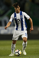 April 18, 2018 - Lisbon, Portugal - Porto's midfielder Oliver Torres in action  during Portuguese Cup 2017/18 match between Sporting CP vs FC Porto, in Lisbon, on April 18, 2018. (Credit Image: © Carlos Palma/NurPhoto via ZUMA Press)
