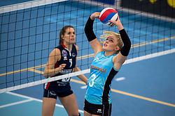 20-01-2019 NED: Talent Team Papendal - Sliedrecht Sport, Ede<br /> Round 15 of Eredivisie volleyball. Sliedrecht Sport win 3-0 (14-25, 14-25, 20-25) of Talent Team / Fleur Meinders #3 of Talent Team
