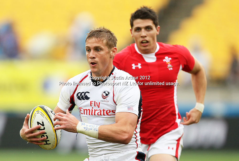 USA's Colin Hawley in action. Hertz Wellington Sevens - Day two at Westpac Stadium, Wellington, New Zealand on Saturday, 4 February 2012. Photo: Justin Arthur / photosport.co.nz
