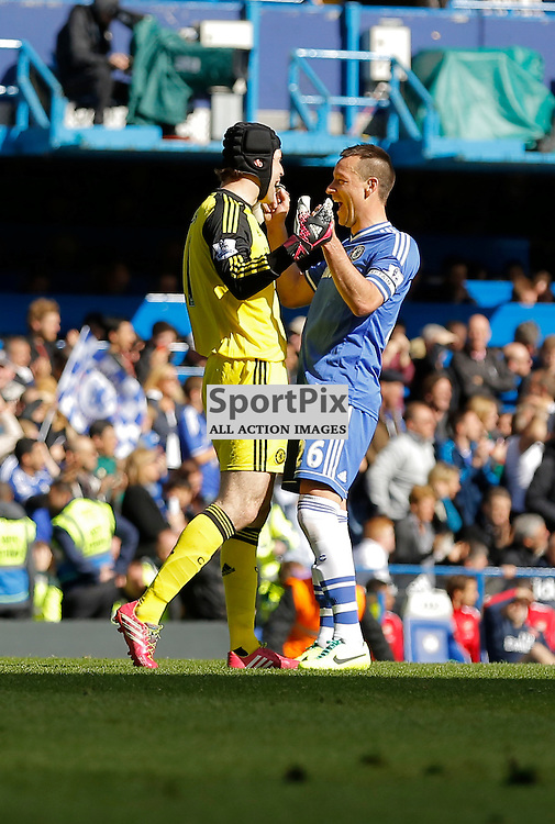 Chelsea GK 1 Petr Čech and Chelsea DF 26 John Terry (C) celebrate Chelsea's 4th goal just before half time | Chelsea v Arsenal - Stamford Bridge - Barclays Premier League - 22/03/2014  | Andy Walter (c) Sportpix.org
