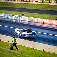 This was John Zappia's second wheelstand on the way to a 5.8 second pass at a little over 400kmh... #PerthMotorplex #DragRacing Grand Finals today.