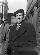 16th Dail Reopens at Leinster House. John Murphy (Dublin South Central) Unemployed Candidate arriving at Dail. 20/03/1957