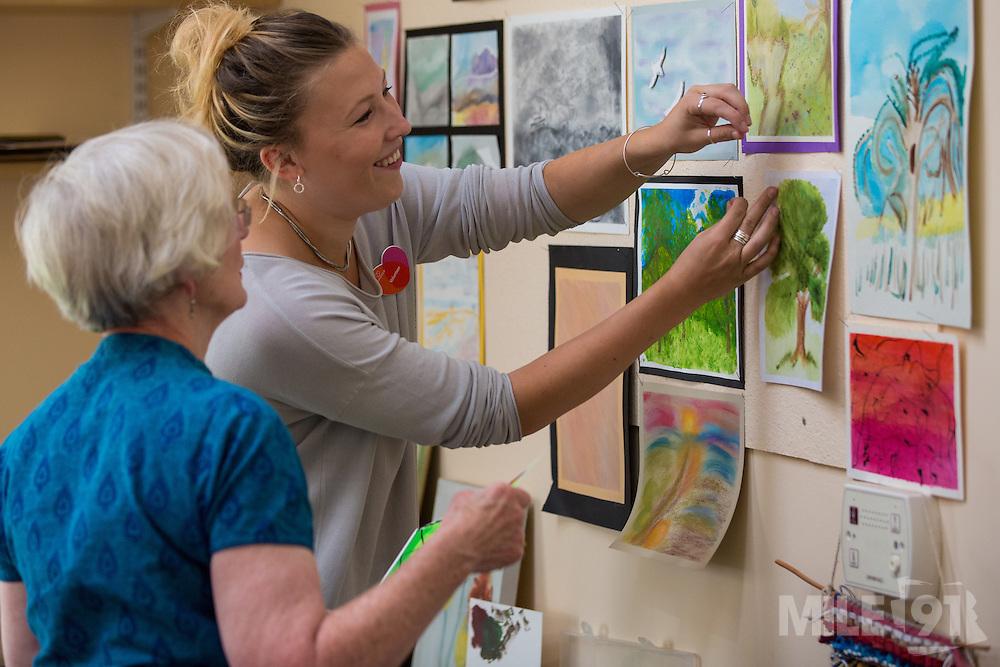 Longfield Care art workshop.<br /> <br /> Photo credit: Mile 91/Ben Langdon