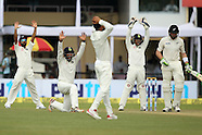Cricket - India v New Zealand 1st Test D2 at Kanpur