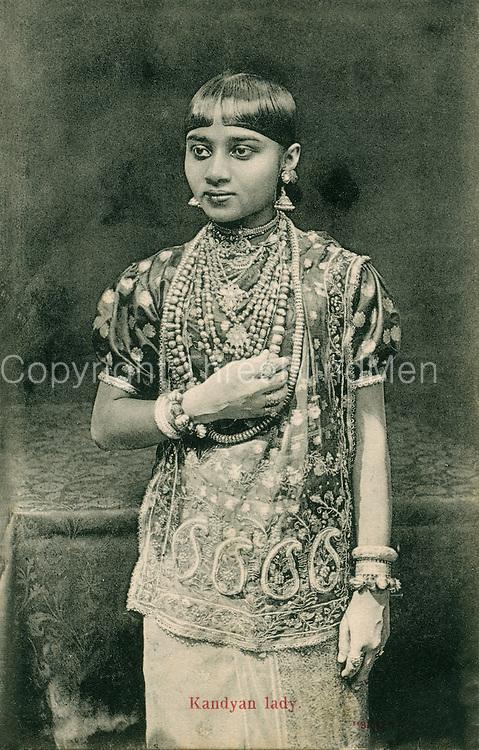 Old Postcard. Kandyan Lady