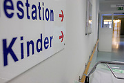 Childrens' ward direction sign in German Red Cross hospital, Berlin.
