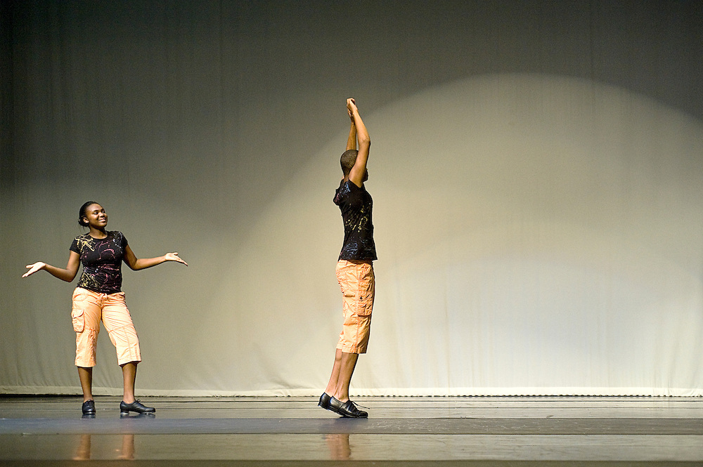 Saturday, June 13, 2009..Experimental Movement Concept's Spring Concert dress rehearsal at Community College Baltimore County in Catonsville..LAVENDER LEVEL.DOMINIQUE GRIFFIN.WESLEY CARR