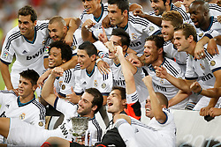 29.08.2012, Estadio Santiago Bernabeu, Madrid, ESP, Supercup, Real Madrid vs FC Barcelona, Rueckspiel, im Bild Real Madrid's players celebrate with trophy // during the Spanish Supercup 2nd Leg Match match between Real Madrid CF and Barcelona FC at the Estadio Santiago Bernabeu, Madrid, Spain on 2012/08/29. EXPA Pictures © 2012, PhotoCredit: EXPA/ Alterphotos/ Alvaro Hernandez..***** ATTENTION - OUT OF ESP and SUI *****