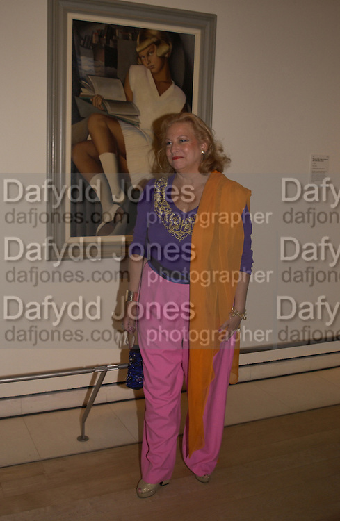 Victoria de Lempicka, Tamara de Lempicka private view, Royal academy. London. 11 May 2004. SUPPLIED FOR ONE-TIME USE ONLY> DO NOT ARCHIVE. © Copyright Photograph by Dafydd Jones 66 Stockwell Park Rd. London SW9 0DA Tel 020 7733 0108 www.dafjones.com