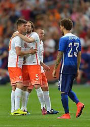 05-06-2015 NED: Oefeninterland Nederland - USA, Amsterdam<br /> Oranje verliest oefeninterland tegen Verenigde Staten met 4-3 / Klaas-Jan Huntelaar #9, Daley Blind #5