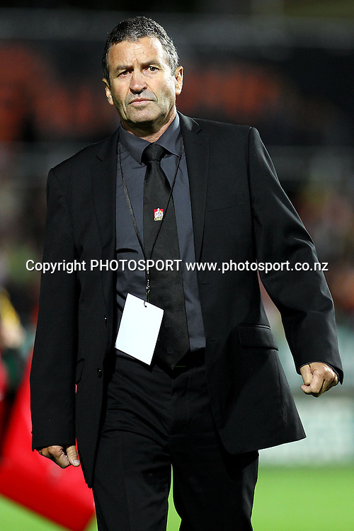 Chiefs' Assistant Coach Wayne Smith. Super Rugby rugby union match, Chiefs v Hurricanes at Waikato Stadium, Hamilton, New Zealand. Saturday 28th April 2012. Photo: Anthony Au-Yeung / photosport.co.nz