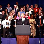 Governador Deval Patrick explica logros de su gestion. <br /> <br /> Gobernador busca su reelecion.<br /> <br /> Su discurso fue buen recibido por la audiencia.