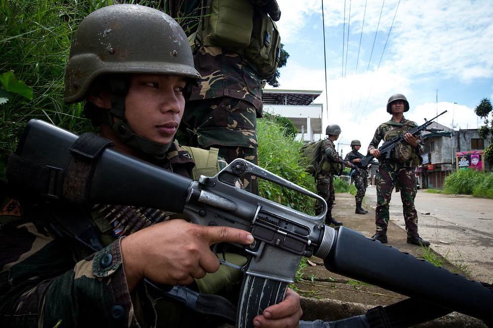 MARAWI, PHILIPPINES - JUNE 6: Government troops takes position as they search for explosives and firearms left be Islamic rebels inside of a NO GO ZONE in Marawi City in Southern Philippines, June 6, 2017. (Photo: Richard Atrero de Guzman/NUR Photo)