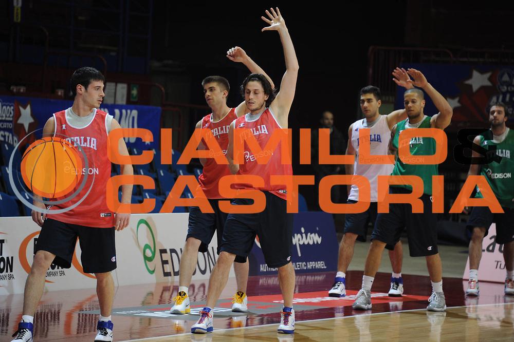DESCRIZIONE : Milano Agos Ducato All Star Game 2011 Allenamenti<br /> GIOCATORE : Marco Mordente Daniel Hackett Viggiano<br /> SQUADRA : Italia Nazionale Maschile<br /> EVENTO : All Star Game 2011<br /> GARA : Italia All Star Team<br /> DATA : 12/03/2011<br /> CATEGORIA : allenamento<br /> SPORT : Pallacanestro<br /> AUTORE : Agenzia Ciamillo-Castoria/GiulioCiamillo<br /> Galleria : FIP Nazionali 2011<br /> Fotonotizia :  Milano Agos Ducato All Star Game 2011 Allenamento<br /> Predefinita :