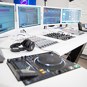 NLD/Amsterdam/20170202 - Armin van Buuren opent eigen A State Of Trance-radiostudio, Draaitafel