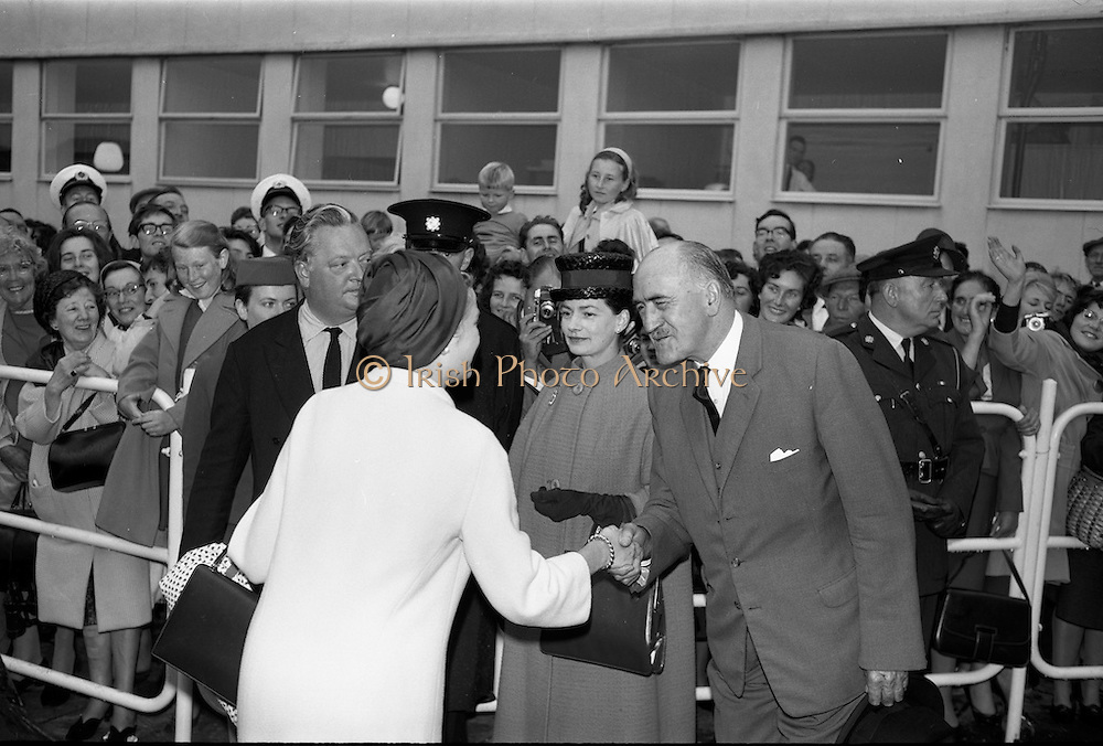 25/08/1963<br /> 08/25/1963<br /> 25 August 1963<br /> Royal Visit by Prince Rainier and Princess Grace of Monaco. The Royal family arrive at Dublin Airport. Princess Grace shakes hands with Frank Aiken at Dublin Airport.