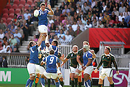Paris, FRANCE - 9th September 2007, Daniel Leo claims the lineout ball during the Rugby World Cup, pool A, match between South Africa and Samoa held at Parc Des Princes Stadium in Paris, France...Photo by RG/Sportzpics.net