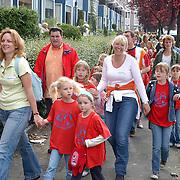 NLD/Huizen/20070531 - Avondvierdaagse Huizen 2007, school de Springplank