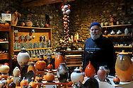 10/01/12 - BLESLE - HAUTE LOIRE - FRANCE - Jean-Jacques GENTIL potier a l Atelier de la Source - Photo Jerome CHABANNE