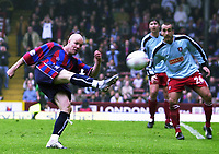 Photo:Alan Crowhurst.<br />CRYSTAL PALACE v WALSALL,Nationwide Division One,01/05/2004.Andy Johnson shoots at goal.