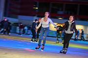 Mannheim. 03.11.17 | Eisdisco in der Eishalle.<br /> Neckarstadt. Leistungszentrum Eissport.<br /> Eisdisco in der Eislaufhalle.<br /> Zu Black, House 80er, 90er und aktuellen Charts über die Eisfläche tanzen, die neuesten Sprünge zeigen oder einfach Freunde treffen und mit ihnen Runden zu tollen Lichteffekten drehen.<br /> <br /> <br /> BILD- ID 22218 |<br /> Bild: Markus Prosswitz 03NOV17 / masterpress (Bild ist honorarpflichtig - No Model Release!)