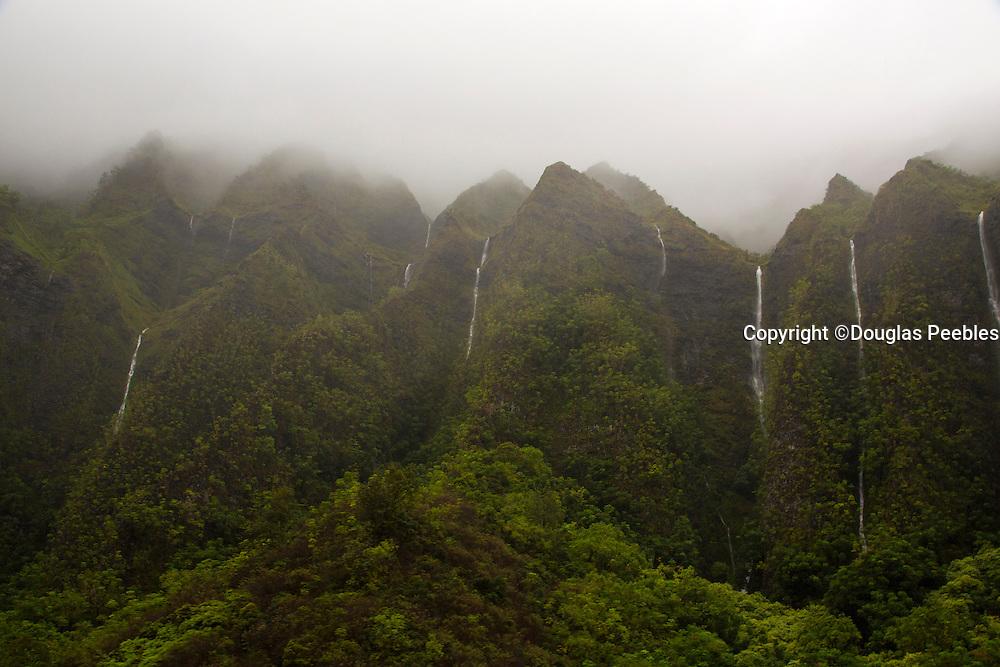 Waterfalls, Koolau Mountains, Windwar, Oahu, Hawaii