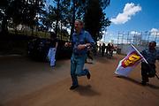 Campanha Márcio Lacerda..O candidato a prefeitura de Belo Hoirizonte Marcio Lacerda  faz visita ao aglomerado da Serra...Fotos: Leo Drumond / NITRO