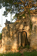 Ruin of the side pavilion. Naguleswaran.<br /> Naguleswaran Madam, Keerimalai. <br /> Jaffna Peninsula.