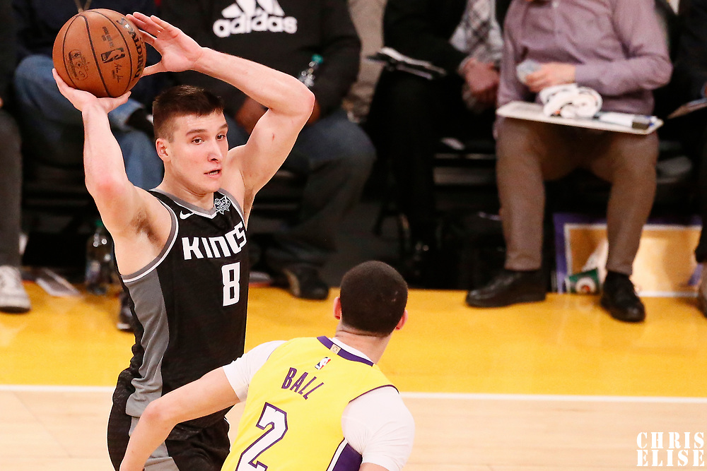 09 January 2018: Sacramento Kings guard Bogdan Bogdanovic (8) looks to pass over Los Angeles Lakers guard Lonzo Ball (2) during the LA Lakers 99-86 victory over the Sacramento Kings, at the Staples Center, Los Angeles, California, USA.