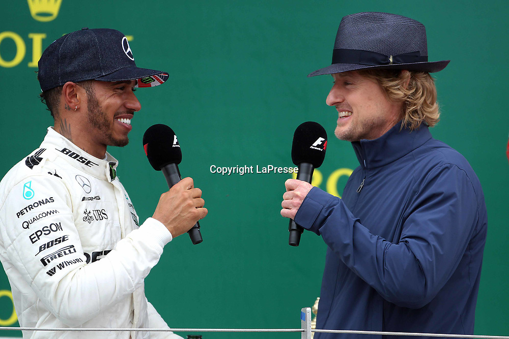 &copy; Photo4 / LaPresse<br /> 16/07/2017 Silverstone, England<br /> Sport <br /> Grand Prix Formula One England 2017<br /> In the pic: Lewis Hamilton (GBR) Mercedes AMG F1 W08 and <br /> Actor and Owen Wilson (USA)
