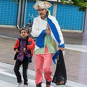 NL/Utrecht/20200701 - Premiere DE PIRATEN VAN HIERNAAST, Job Reuten en zoontje Eneas