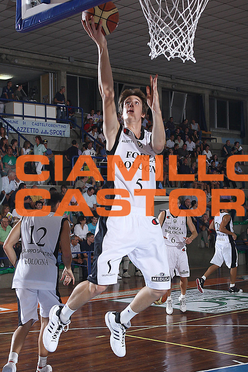 DESCRIZIONE : Castelfiorentino Lega A 2009-10 Basket Torneo V. Martini Virtus Bologna Bancatercas Teramo<br /> GIOCATORE : Matteo Negri<br /> SQUADRA : Virtus Bologna<br /> EVENTO : Campionato Lega A 2009-2010 <br /> GARA : Virtus Bologna Bancatercas Teramo<br /> DATA : 12/09/2009<br /> CATEGORIA : before tiro <br /> SPORT : Pallacanestro <br /> AUTORE : Agenzia Ciamillo-Castoria/C.De Massis