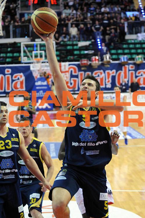 DESCRIZIONE : Biella Lega A 2012-13 Angelico Biella Sutor Montegranaro<br /> GIOCATORE : Daniele Cinciarini<br /> CATEGORIA : Penetrazione<br /> SQUADRA : Sutor Montegranaro<br /> EVENTO : Campionato Lega A 2012-2013 <br /> GARA : Angelico Biella Sutor Montegranaro<br /> DATA : 01/04/2013<br /> SPORT : Pallacanestro <br /> AUTORE : Agenzia Ciamillo-Castoria/Max.Ceretti<br /> Galleria : Lega Basket A 2012-2013  <br /> Fotonotizia : Biella Lega A 2012-13 Angelico Biella Sutor Montegranaro<br /> Predefinita :