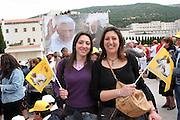 San Giovanni Rotondo 21 Giugno 2009, Visita Pastorale di Sua Santità Papa Benedetto  XVI , Italy San Giovanni Rotondo 21 06 2009, Visit of  Papa Benedetto  XVI in the foto  sostenitori