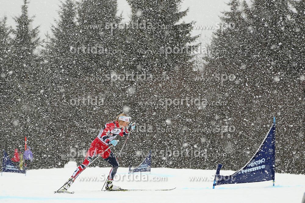05.01.2014, Alpe Cermis, Cavalese, ITA, FIS Tour de Ski, Langlauf Damen, Individual Start 9 Km, im Bild Johaug Therese (NOR) // during the Ladies 9 km Pursuit Cross Country of the FIS Tour de Ski 2014 at the Cross Country Stadium, Lago di Tesero, Italy on 2014/01/05. EXPA Pictures © 2014, PhotoCredit: EXPA/ Federico Modica