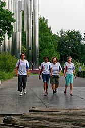 """28-08-2019 NED: Nationale COPD Challenge, Eindhoven<br /> Diverse gezondheidscentra, huisartsenpraktijken en fysiotherapie praktijken zijn met ondersteuning van de BvdGF gestart met een lokale wandel challenge voor COPD patiënten. Ook op het NDC festival, """"dé finaledag"""", dat plaats vindt op 28 september 2019 in Den Haag lopen zij mee."""