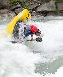 18.06.2010, Drauwalze, Lienz, AUT, ECA Kayak Freestyle European Championships, im Bild Feature Fresstyle Kajak, EXPA Pictures © 2010, PhotoCredit: EXPA/ J. Feichter
