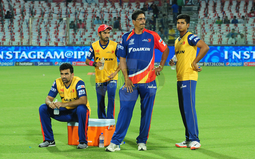 DD team players warmup before match 21 of the Pepsi IPL 2015 (Indian Premier League) between The Delhi Daredevils and The Mumbai Indians held at the Ferozeshah Kotla stadium in Delhi, India on the 23rd April 2015.<br /> <br /> Photo by:  Arjun Panwar / SPORTZPICS / IPL