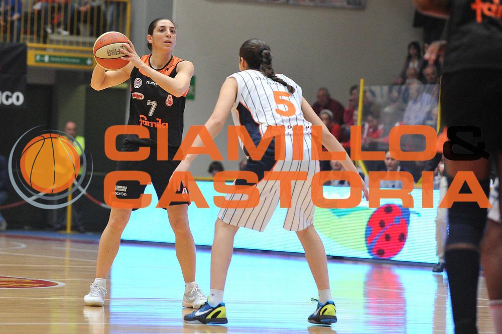 DESCRIZIONE : Schio Vicenza Lega A1 Femminile 2011-12 Coppa Italia Semifinale Famila Wuber Schio Liomatic Umbertide<br /> GIOCATORE : liron cohen<br /> CATEGORIA : palleggio<br /> SQUADRA :Famila Wuber Schio Liomatic Umbertide<br /> EVENTO : Campionato Lega A1 Femminile 2011-2012 <br /> GARA : Famila Wuber Schio Liomatic Umbertide<br /> DATA : 17/03/2012 <br /> SPORT : Pallacanestro <br /> AUTORE : Agenzia Ciamillo-Castoria/M.Gregolin<br /> Galleria : Lega Basket Femminile 2011-2012 <br /> Fotonotizia : Schio Vicenza Lega A1 Femminile 2011-12 Coppa Italia Semifinale Famila Wuber Schio Liomatic Umbertide<br /> Predefinita :