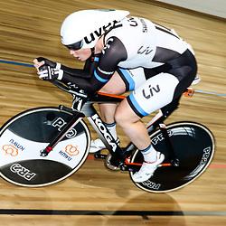 28-12-2014: Wielrennen: NK Baanwielrennen: Apeldoorn Kirsten Wild plaatst zich met een tweede tijd voor de finale op de achtervolging.