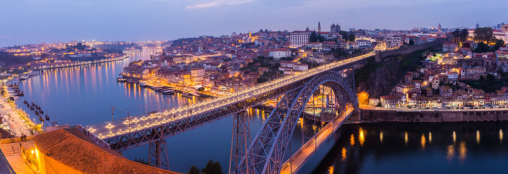Dom Luis I Bridge over the Douro River, Porto, Portugal