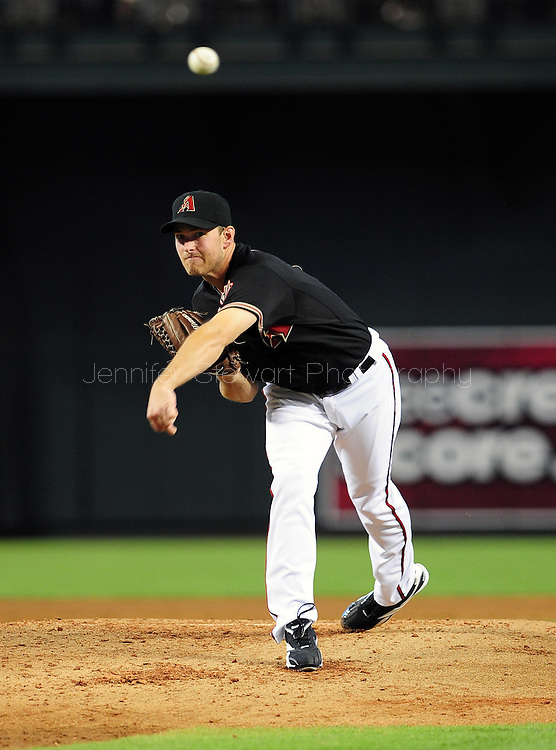Jun. 18 2011; Phoenix, AZ, USA; Arizona Diamondbacks pitcher Zach Duke (19) delivers a pitch against the Chicago White Sox at Chase Field. Mandatory Credit: Jennifer Stewart-US PRESSWIRE.