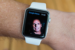 Google news app showing resignation of Greek Finance minister Yanis Varoufakis on an  Apple Watch