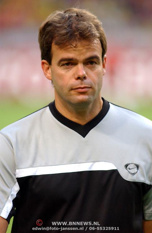 NLD/Amsterdam/20050805 - Johan Cruijffschaal 2005, PSV - Ajax, scheidsrechter Jan Wegereef