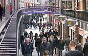 Nederland, Nijmegen, 12-3-2017 Drukte in het centrum. Winkelstraat in Nijmegen. Koopzondag, zondag,zondagsrust .   Winkelend publiek, mensen, architectuur,koopgoot,marikenstraatFOTO: FLIP FRANSSEN
